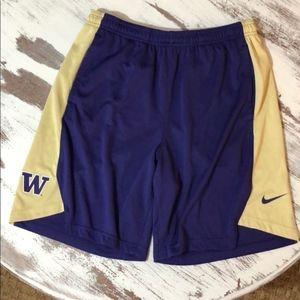 Nike Basketball Shorts University of Washington XL